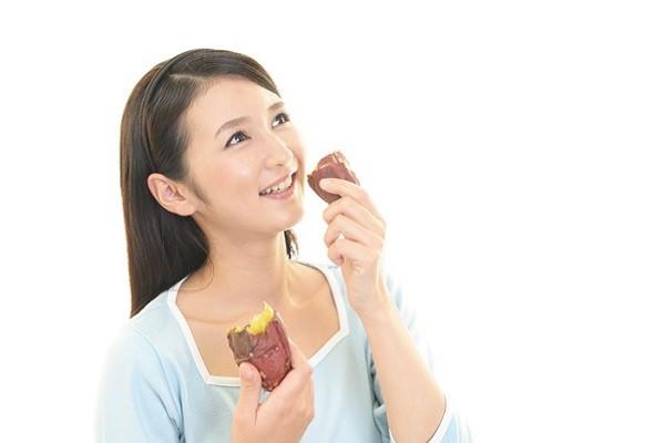 Terlalu Banyak Makan Makanan Manis dan Berkarbohidrat Tinggi