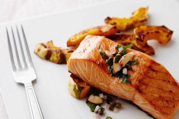 Salmon, Ikan Nikmat Penuh Nutrisi Untuk Konsentrasi