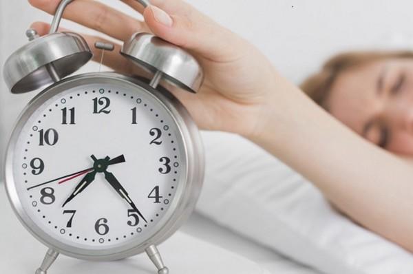 Berhenti Menekan Tombol Snooze Saat Alarm Menyala