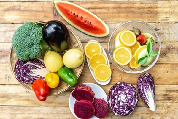 Puasa Menggeser Waktu Makan, Pastikan Konsumsi Makanan Bernutrisi Saat Buka dan Sahur