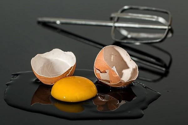 Kuning Telur, Bahan Masak yang Ternyata Cocok Perbaiki Kondisi Rambut