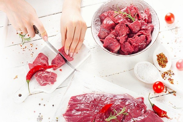 Memotong Daging Terlalu Tipis