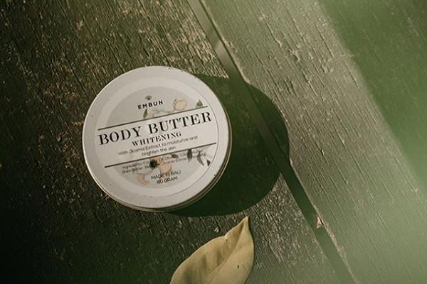 Haluskan dan Lembabkan Kulit Embun Body Butter Whitening yang Dijual Dengan Harga 80 Ribu