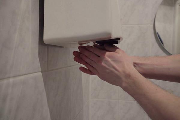 Tips Sehat Jitu, Mengeringkan Tangan itu Perlu!