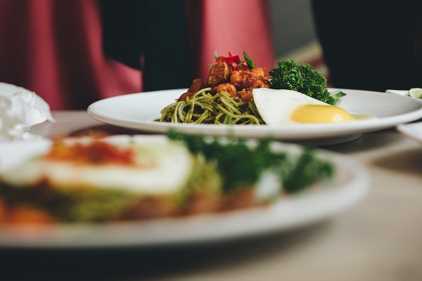 Bukan Hanya Cuma Enak, Siapkan Makanan yang Sehat dan Aman Untuk Tubuh