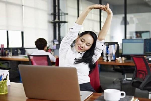 Kerja di Kantor 8 Jam Sehari Bikin Kamu Jarang Bergerak? Seimbangkan dengan Olahraga Ini!