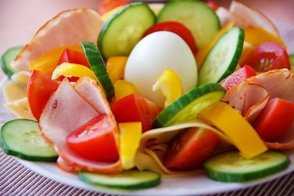 Potongan Tomat atau Mentimun, Tak Hanya Dimakan, Namun Sehat Untuk Kulit