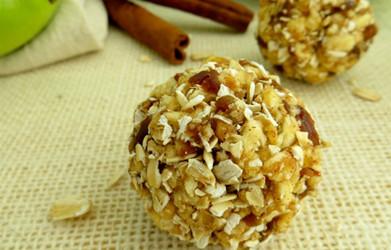 Apple Cinnamon Granola Energy Balls