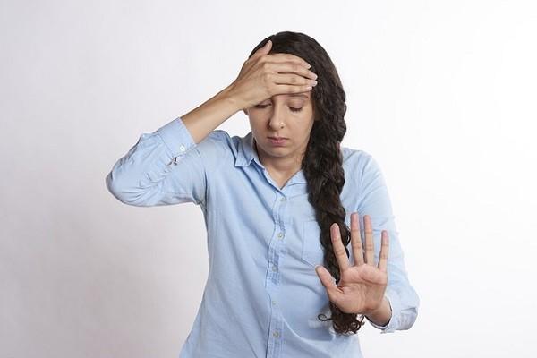 Stress bisa sebabkan kamu jadi telat haid lho!